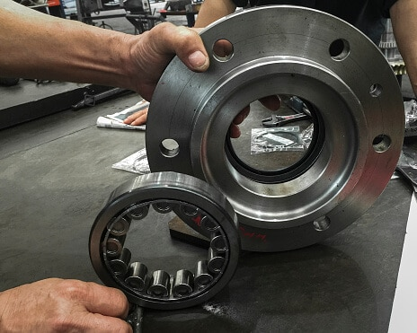 How to Change Wheel Bearings On a Car